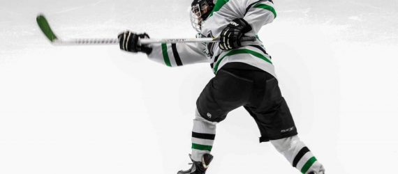 Expelled Hockey Player Sues Yale