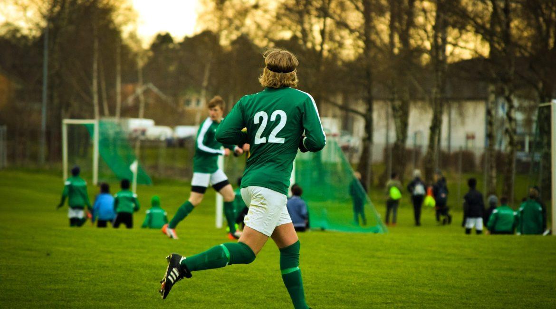football-2395754_1920-min